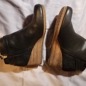 ba352c6aeda Dr. Scholl s Shoes - Dr. Scholls patch wedge ankle boot